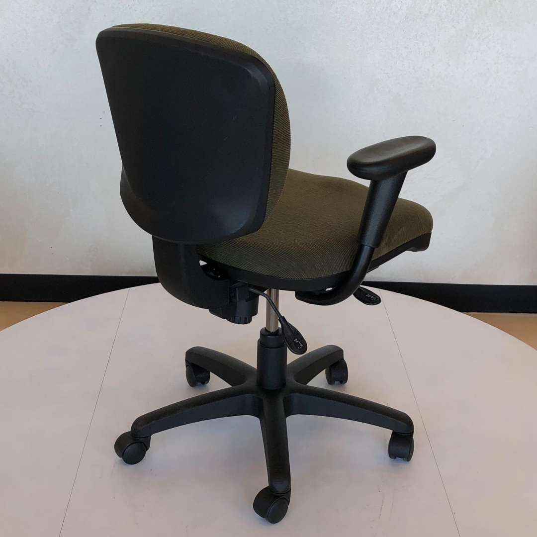 Via Task Chair Green Fabric Bella S Office